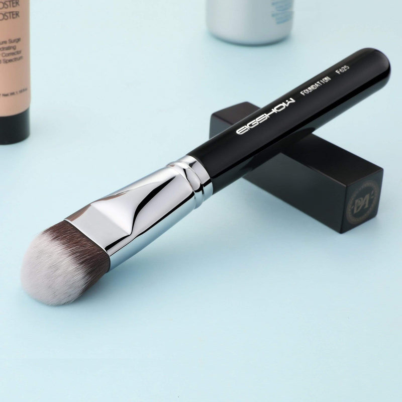 Eigshow Beauty F625 - KABUKI FOUNDATION BRUSH