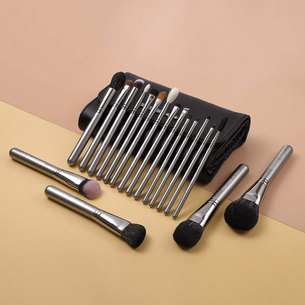 Eigshow Beauty MAGICIAN SERIES - 18 COMPLETE BRUSH KIT - GALAXY SILVER