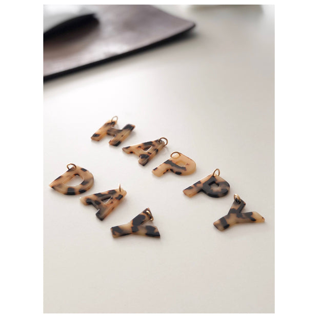 LETTER CHARMS - classic beige