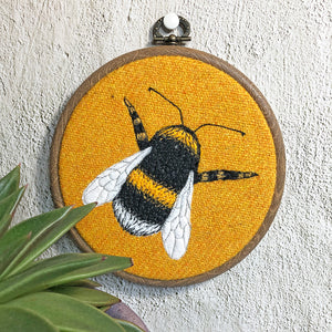 Bee hoop art