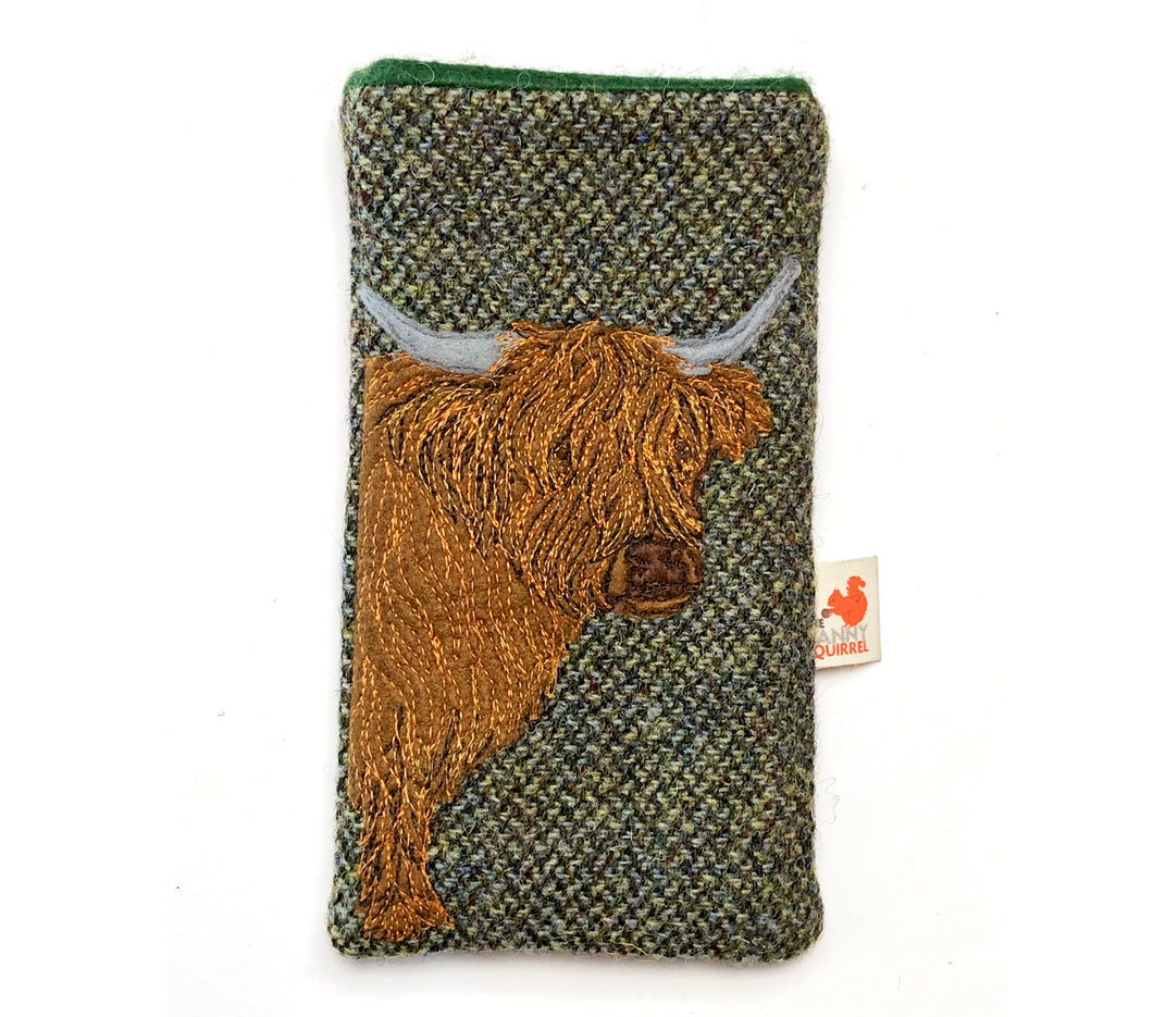 Highland cow phone case - mid green