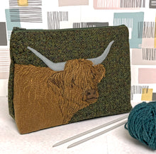 Load image into Gallery viewer, Highland Cow project bag