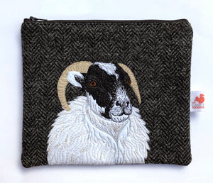 Sheep zip pouch