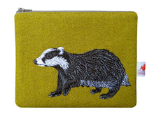 Load image into Gallery viewer, Badger zip pouch