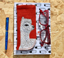 Load image into Gallery viewer, Alpaca glasses case