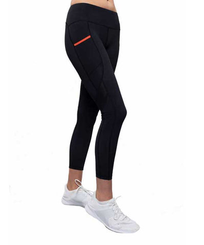 Kinetic Leggings in Black