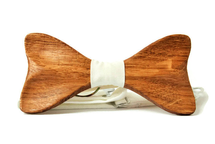 Brown bow tie from oak wood modern form with ivory pocket square