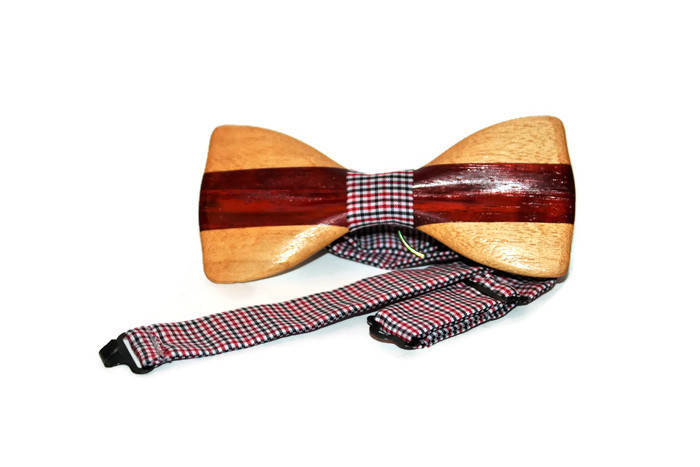 Bow tie with pocket handkerchief. Self tie bow tie. Wood bow ties for wedding. Gift wooden bow tie for him.