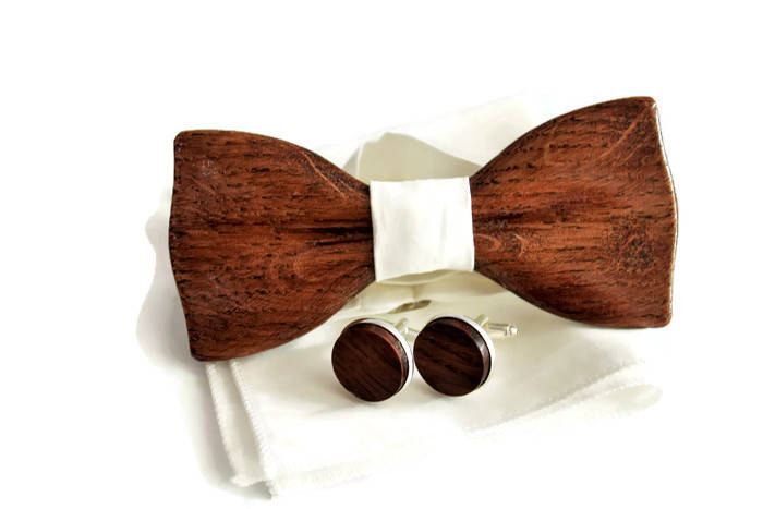 Men's wood cufflinks & classic custom bow tie with ivory pocket square