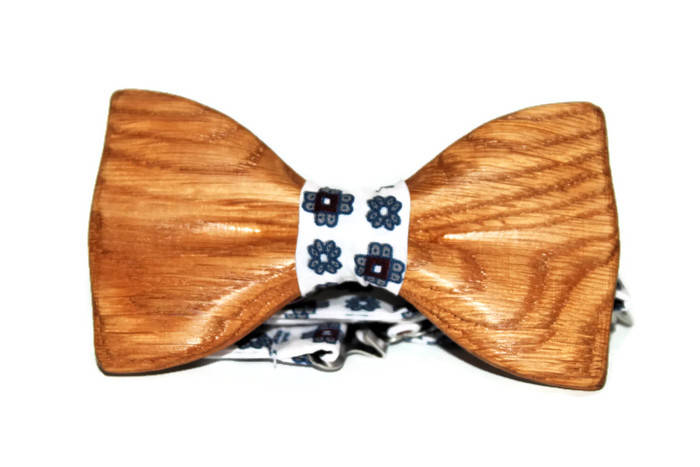 Handmade bow tie with pocket handkerchief. Self tie bow tie. Wood bow ties for wedding. Gift wooden bow tie for him.