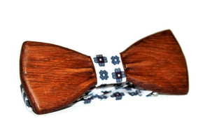 Handmade bow tie. Wooden bow tie. Bow tie from oak wood. Mens bow tie. Brown bow tie.