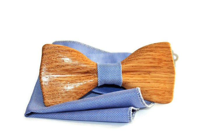 Wood bow tie. Mens wooden bow tie with blue pocket square. Bow tie from oak wood. Handmade bow ties for men. Wooden bowties.