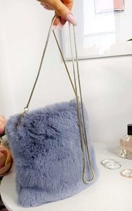 Dills Fluffy Shoulder Bag in Gray