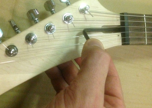 Adjusting the truss rod