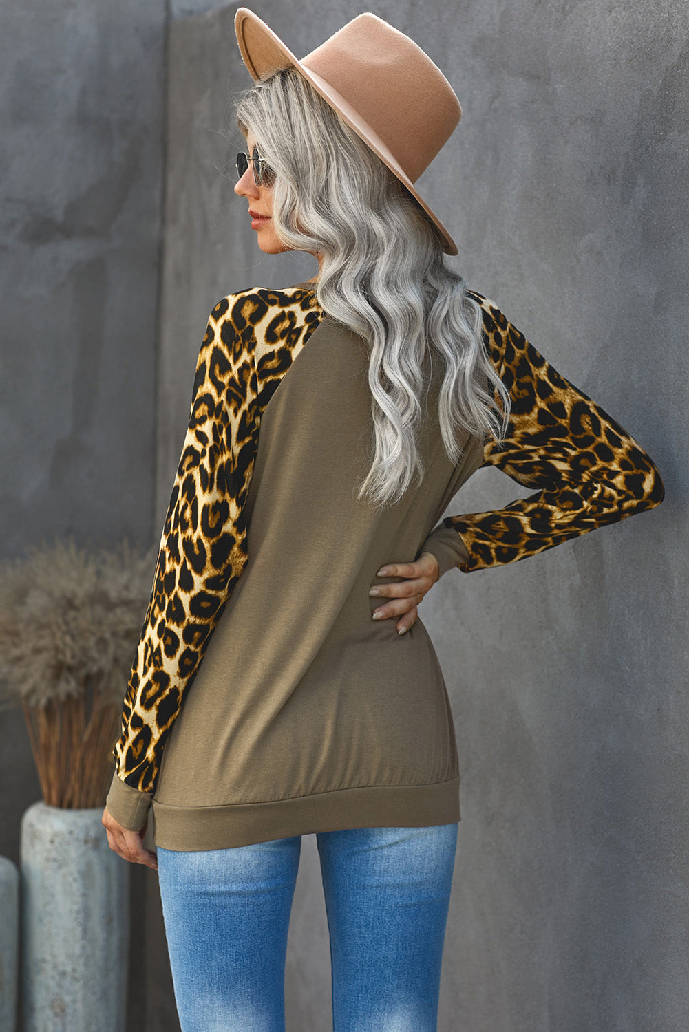 Round Neck Leopard Print Sequin Long Sleeve Top