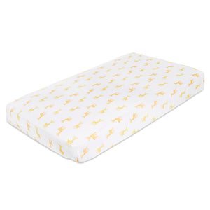 aden by aden + anais: safari babes - giraffes: classic muslin fitted cot sheet
