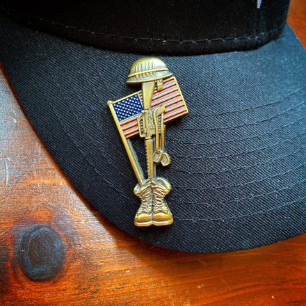 Load image into Gallery viewer, Fallen Soldier USA Memorial Pin