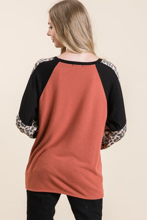 AMBER LEOPARD COLORBLOCK TOP