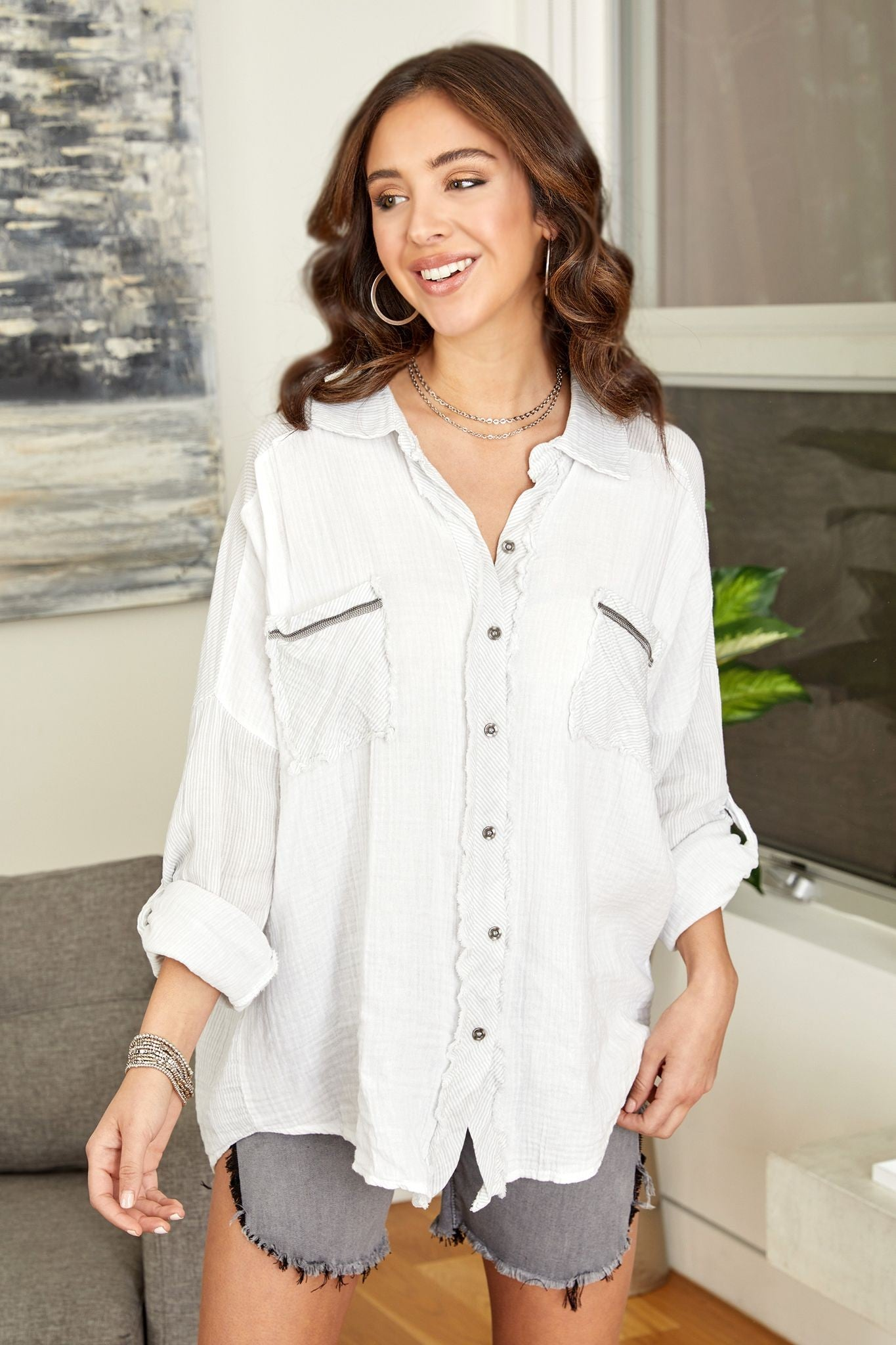 BLOUSE WITH PINSTRIPE DETAIL