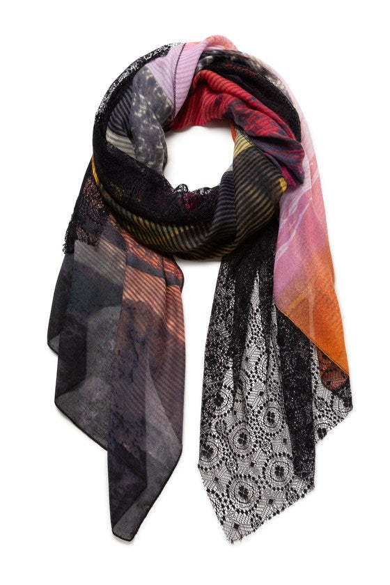 ARTY LACE SCARF