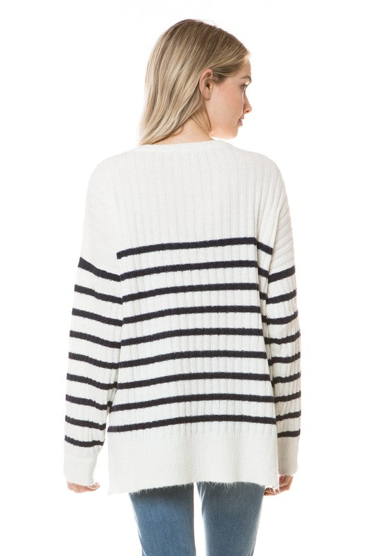 sweater - EYE ON FASHION BOUTIQUE