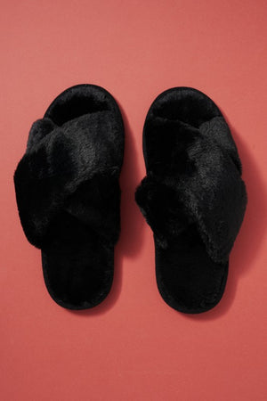 BLACK FUZZY SLIPPERS