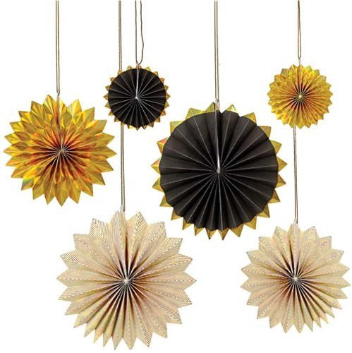Black and Gold Pinwheel Backdrop Decoration