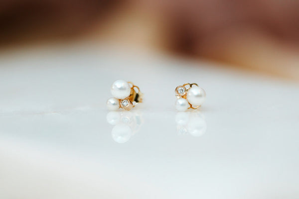 MINI SHIMMER PEARL EARRINGS