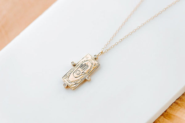 THE WORLD DIAMOND TAROT CARD NECKLACE IN 14K