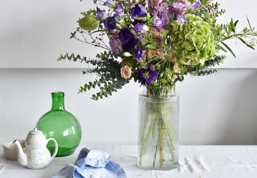 ribbed glass vase for subscription