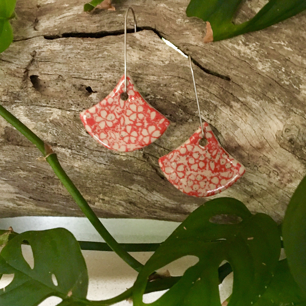 Small Flower Red Fan Shape Stoneware Dangle Earrings