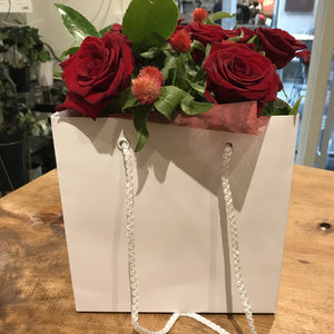 Short Roses in Fishbowl & Gift Bag