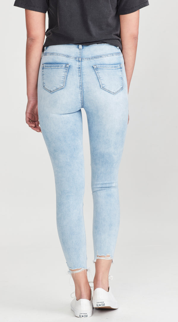 ELLA | Jean Pale Blue