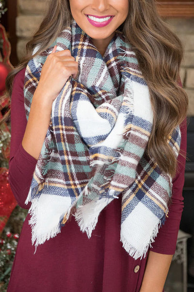 Curvedgirl Cashmere-Colored Plaid Scarf