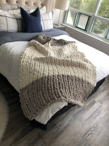 Healing Hand, Chunky Knit Blankets Vintage Grey