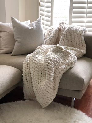 Healing Hand, Chunky Knit Blankets Bone White (Size Large)