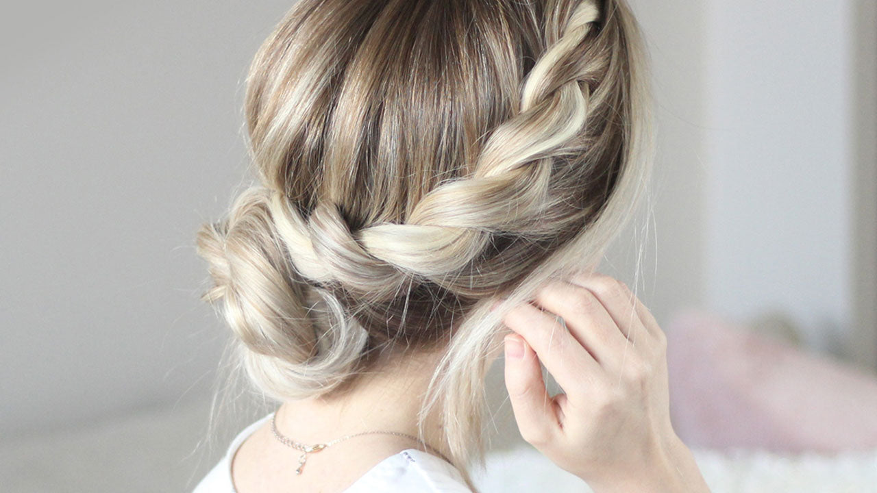 12 Simple Buns: New Years Eve & Holiday Hairstyles