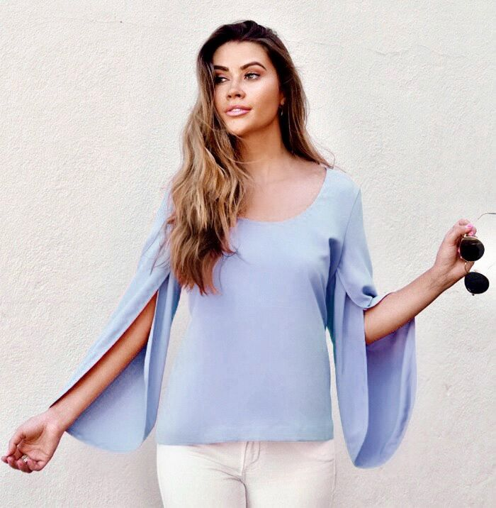 Anna Cate Lexi Split Sleeve Top
