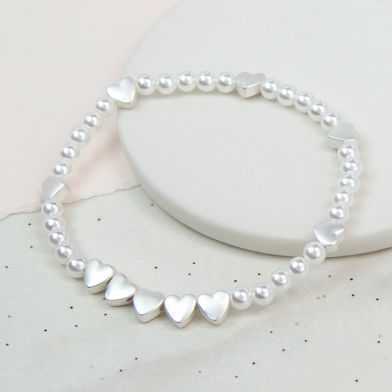 white faux pearl/heart stretchy bracelet