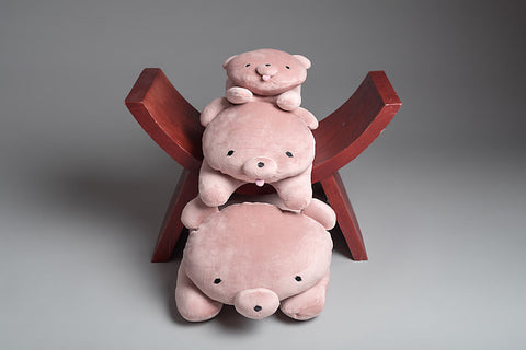Mochikuma Peach hugging cushion