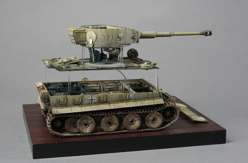 "RM5003 - German Pz.kpfw.VI Ausf.E ""Tiger I"" (Early Production) S.PZ.ABT.503 Eastern Front 1943 w/Full Interior Details"