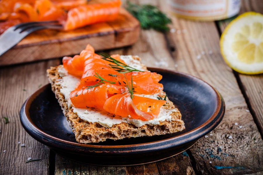 Crispbread With Smoked Salmon, Cottage Cheese & Dill