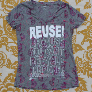 One of a Kind (Women's M) REUSE! Apples Everywhere T-Shirt