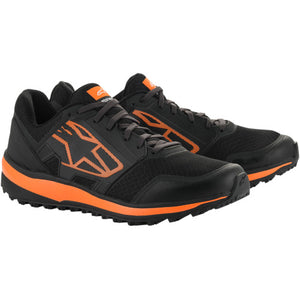 METAL TRAIL SHOES (ZAPATOS)