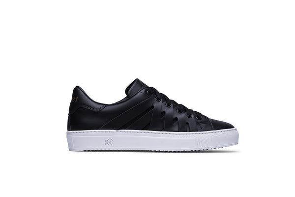 PS821 ALPHA Low-Top Sneaker in Black Leather