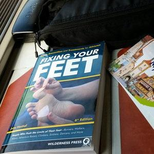 Fixing your feet 6th ed by John Vonhof