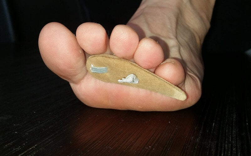 off-the-shelf toeprop to stop blisters top of toes