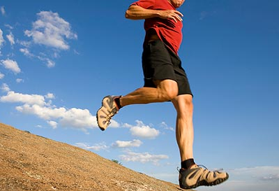 Running downhill increases the likelihood of toenail blisters