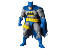 Load image into Gallery viewer, MAFEX Batman: The Dark Knight Returns No.139 Batman (Blue Ver.) & Robin Pre-Order*