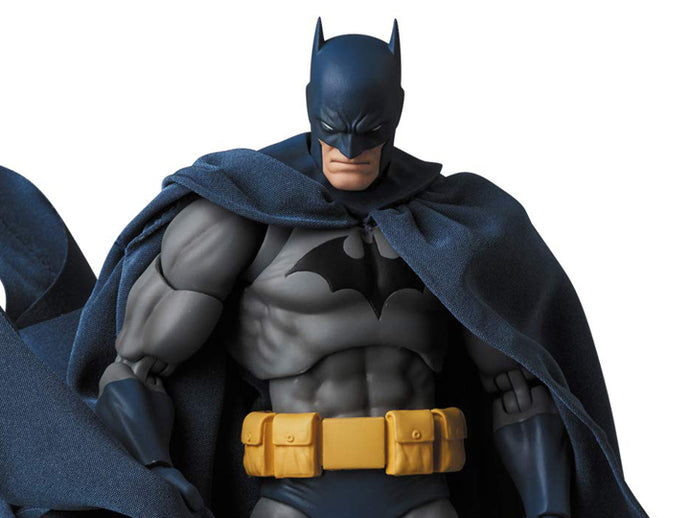 MAFEX Batman: Hush No.105 Batman